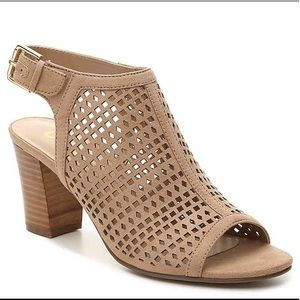 UNISA Pryce Sandals